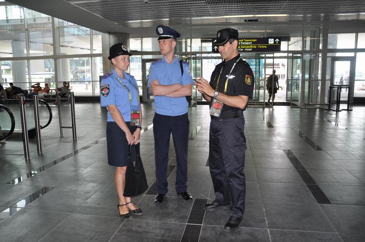 Новый закон о Нацполиции разрешает применение полицейскими электрошокового оружия, - Фацевич - Цензор.НЕТ 5993