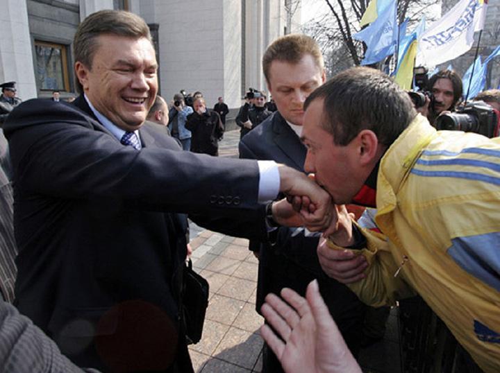 В день рождения Януковича активисты будут пикетировать Межигорье с тортом - Цензор.НЕТ 979