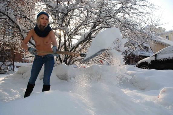 фото голые снег