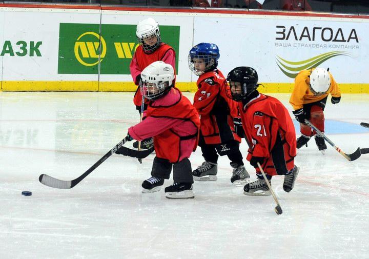 Тренировка восьмилетних хоккеистов