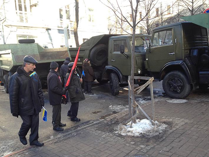 Хроники Евромайдана. Солнечная суббота (Фоторепортаж)