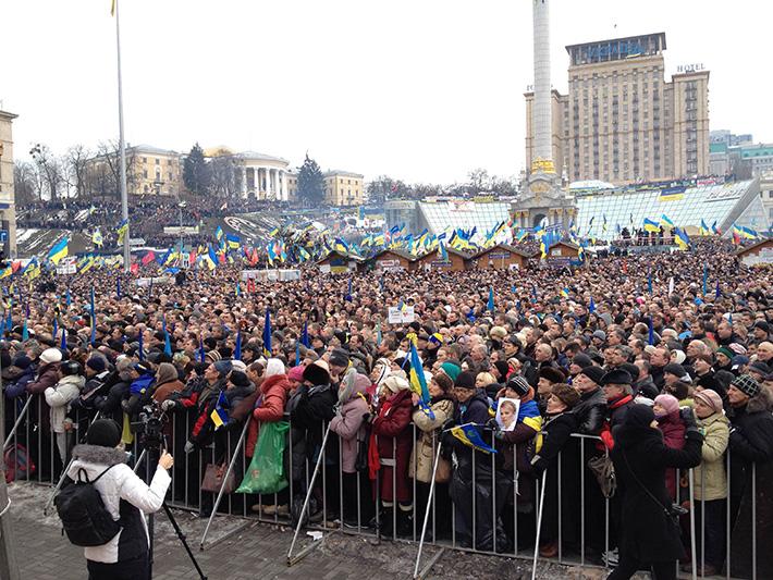 Хроники Евромайдана. Народное воскресенье (Фоторепортаж)