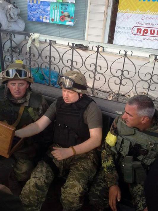 ФОТОФАКТ. Турчинов лично координирует действия силовиков на Востоке Украины