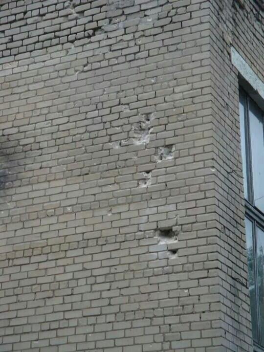 ФОТОФАКТ. Захваченная боевиками донецкая воинская часть после семичасового боя