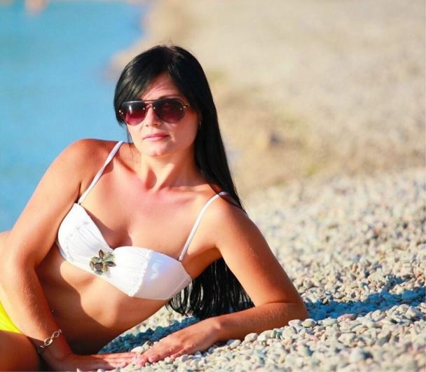 """Жена главаря донецких террористов """"отчиталась"""" в соцсетях об отдыхе на пляже (Фото)"""