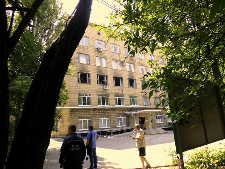 ФОТОФАКТ. Самая крупная стоматология Донецка сильно пострадала от обстрела