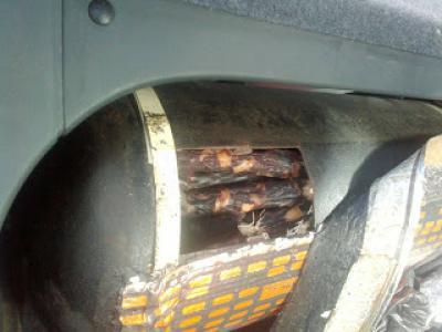 Дончанин пытался провезти через КПВВ 84кг колбас вгазовом баллоне