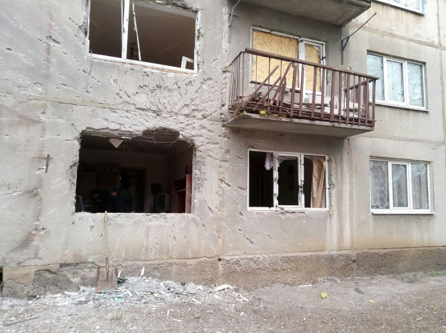 Обстрел Красногоровки: повреждено 7 жилых домов