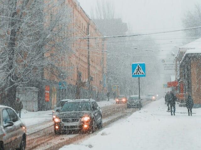 Донбасс завалило снегом