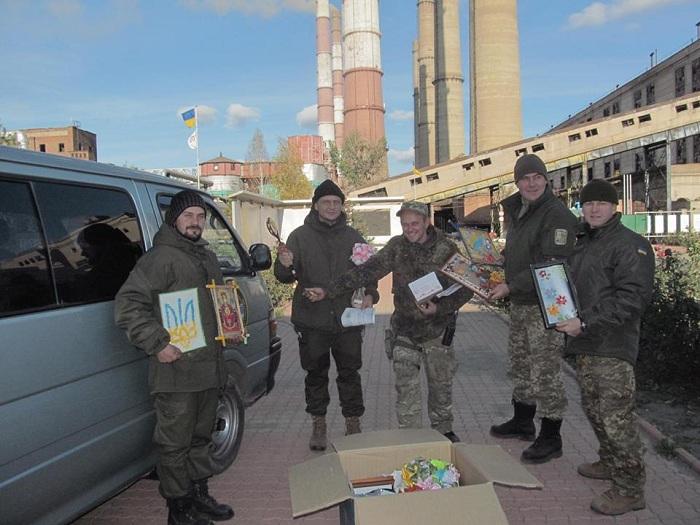 Семь украинских военных ранены взоне АТО засутки