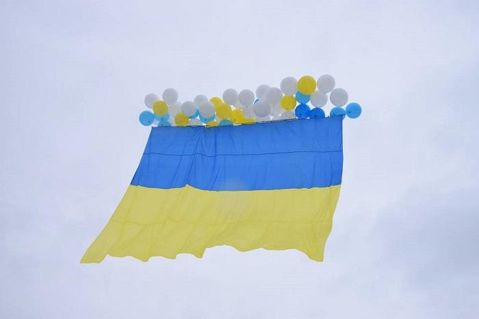 В захваченный Луганск отправили флаг Украины