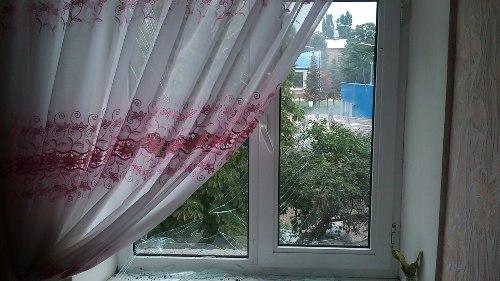В луганском дворе лежит погибший мужчина, «скорая» не едет (ФОТО 18+), фото-3