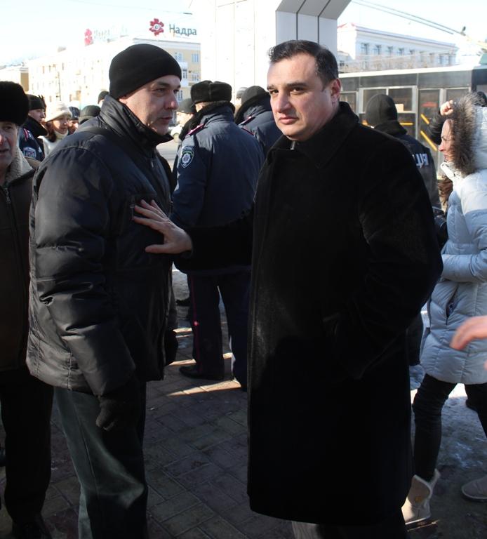 В центре Луганска горела студия красоты (фото), фото-5