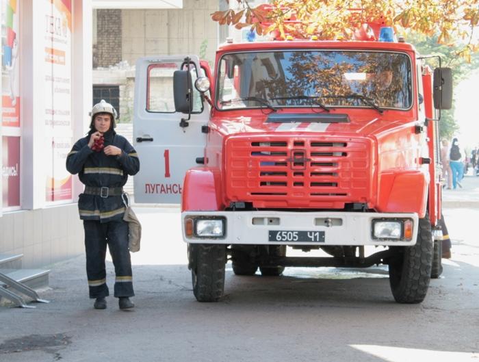 В центре Луганска горела студия красоты (фото), фото-2
