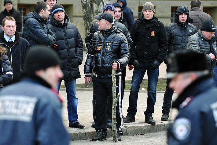 """""""Ушастая черная обезьяна пытается править миром"""", - фанаты Сталина и Берии на первомайском шествии в Москве - Цензор.НЕТ 1629"""