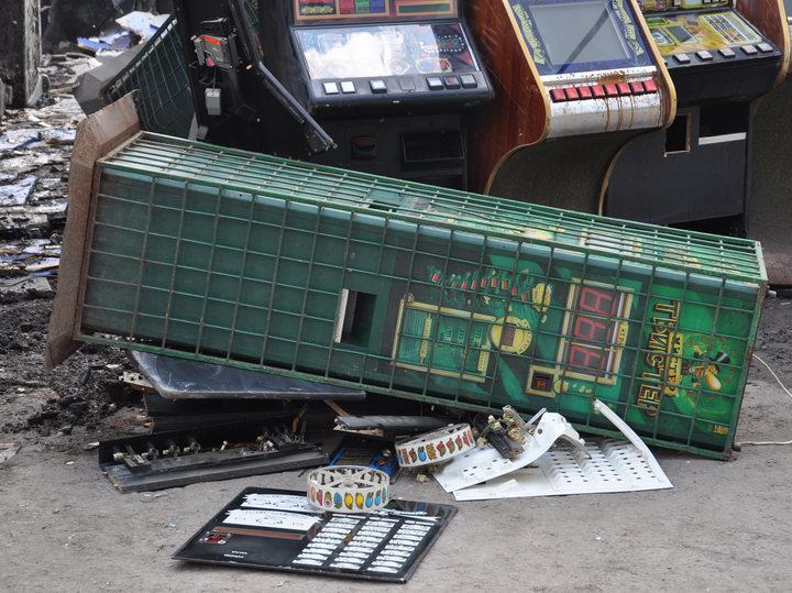 Где есть игровые автоматы в донецке геминатор адмирал новоматик игровые автоматы играть бесплатно